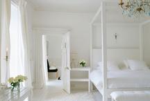 CANOPY BEDS // CAMAS DOSSEL