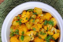 Indian Vegetarian Recipes / Indian vegetarain recipes like gobhi aloo or baingan aloo are some quick and healthy additions to your diet. Typically eaten with roti (Indian flatbread) and dal (lentils), they are very easy to make and delicious to eat!