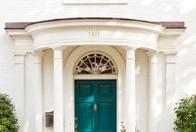 Puertas pintadas entrada