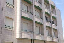 Apartamento T.1 - Oliveira do Douro / Excelente apartamento todo mobilado . Localizado junto supermercados, escola, farmácia e transportes. Preço : 61150€ Para mais informações ligue 933 406 871 ou mande mensagem para ahipolito@remax.pt