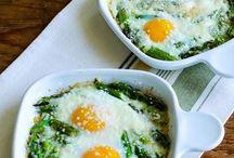Huevos al horno con esparragos trigueros