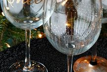 DIY Wine Glasses / Customize your wine glasses and jazz them up for holidays!