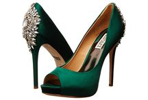 Homecoming Accessories Ideas / Hair, Make-up, and Accessory ideas for Homecoming 2015 and formal dances in 2015.