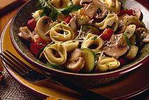 Good Eats & Treats / by Pam Grody