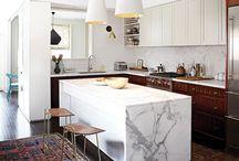 Tapis // idées déco / Découvrez comment utiliser le tapis dans votre décoration pour créer un espace à la fois douillet, chaleureux et tendance.
