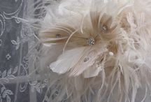 Bouquett of brooches and feathers