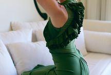 fashion - dresses / by Natasha Tamminga