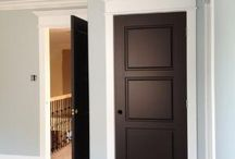 Dark Door/White Trim vs Dark Door/Dark Trim