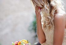 ELISABETH BLUMEN´s Weddings | Coronas de Flores para Novia / ELISABETH BLUMEN diseña y realiza la decoración integral de tu celebración de manera totalmente personalizada, para que sea única y singular.