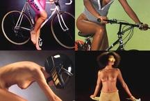 Nude Girls on Bicycles / Nagie dziewczyny na rowerach