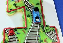 cupcake cake / cars cupcake cake