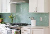 Home Decor - Kitchen Backsplash / by Lori Paladino