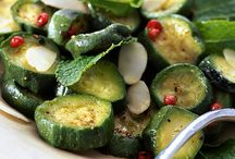 Zucchini / Recipes, cooking tips and fun facts about zucchini.