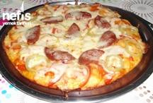 Pizza Tarifleri / Tamamı denenmiş ve fotoğraflanmış olan ekonomik, pratik ve evde kolayca hazırlayabileceğiniz en lezzetli pizza tarifleri burada!  Tavada Pizza, Tencerede Pizza, Lavaş Pizza, Mini Pizza tarifleri ve daha fazlası Nefis Yemek Tarifleri'nde.