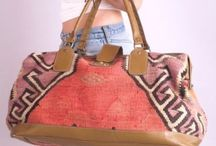 bags / by Silvia