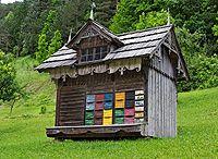 Bee shed & houses / Bienenhäuser