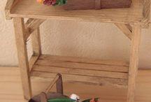 Jardin miniature / Tables de rempotage, arrosoirs, pots de fleurs ....