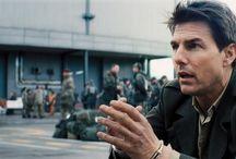 Edge of Tomorrow - Senza Domani / Una razza aliena, i Mimics, ha colpito la Terra, devastando le città e uccidendo milioni di esseri umani. Con Tom Cruise ed Emily Blunt! Il film è disponibile in pre-ordine su iTunes  http://go.wbros.it/lbvl.