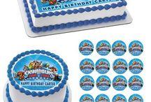 EDIBLE PRINTS ON CAKE Shop / Edible Cake Topper, Cupcake Topper and strips. Please visit our store: www.edibleprintsoncake.com