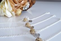 Bridesmaid Jewellery / Bridesmaid jewellery and présents, bracelets, necklace, with a stamped heart :)