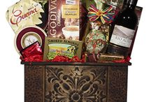 Wine Baskets / The very best gift baskets with wine center pieces, perfect for any wine lover!