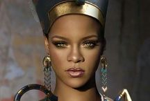 COOL PICS OF RIHANNA