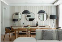 Ton / Ručním ohýbáním vyrábí firma TON nábytek v místě, kde tato tradice započala v roce 1861. Mnoho ohýbaného nábytku se vyrábí tradičním způsobem, tyto postupy a nástroje jsou samozřejmě postupem doby modernizovány, podstata ale zůstává stále stejná. Dnes již firma spolupracuje s designéry, kteří tradiční vzhled posunují s novými nápady dále. Tyto židle a stoly se tak stávají jedinečným spojením kvality, inovativních tvarů a odkazu místa, které se po generace učilo rozumět dřevu.