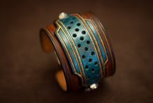 Men's cuffs bracelets / Leather Bracelet for men who like rock style and quality goods. Only handmade, with veg tanned leather and custom-made for you !