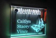 Luxe naamborden / Top kwaliteit rvs met glas gestraalde naamborden.  Huisnummer, namen, naamplaatjes. Gepersonaliseerd naar uw wensen.