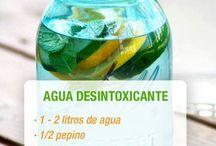 Agua desintoxicante / by Cesia Chavez