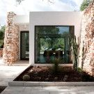 Вторая жизнь - частные дома / Вторичное использование материалов, руин, идентификация места - самобытность.