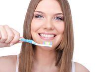 CLAREAR os DENTES em CASA - Receitas Caseiras para Clarear os Dentes /  Clarear os dentes é um dos maiores desejos de homens e mulheres, quando falamos de beleza.   Muitas pessoas fazem loucuras para branquear os dentes, comprando todas as ofertas disponíveis no mercado.  O sorriso é uma peça importante nas pessoas quando se trata de beleza, é o que as tornam mais bonitas. Aprenda como clarear os dentes com dicas caseiras.