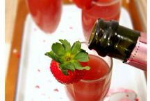 It's freakin Thirsty Thursday! / Tasty fruity drinks with a touch of alcohol!