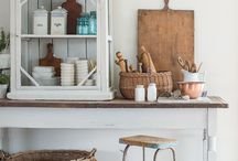 Miss Mustard Seed Milk Paint / Do you want to create a look that's authentically old? Then try MMS Milk Paint!