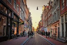 De 9 straatjes / De 9 straatjes (the 9 streets) offer several trendy shops, special restaurants and ancient architecture. This particular shopping area is known for many authentic shops, boutiques and galleries