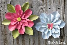 paper flower tut.. / by Sue McKinney