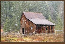 Love Old Barns / by Heather Oberg