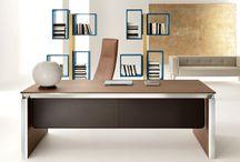 Han - by Martex / Nell'arredamento ufficio non è sempre facile trovare un prodotto che risponda ad esigenze estetiche, funzionali ed ergonomiche, ed ecco dove entra in scena Han.  Una linea di scrivanie ufficio caratterizzata da una vasta gamma di finiture e dimensioni; Han è l'arredo ufficio adatto per ogni ambiente di lavoro.