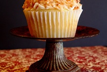Desserts & Sweets: Cupcakes / by Kristen Bellows