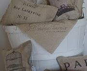 Printed cushion / Vintage hessian
