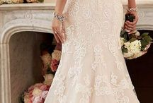 Wedding Dress Ideas For The Grand Hall Bride