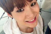 Min Yoongi Selca