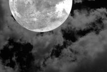 Moon / by Andressa Giacomelli