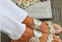 Zapatos y sandalias  / by Veronica Khek