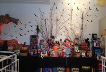 Our Store Displays & Decorations / Showcase our seasonal store windows and displays.