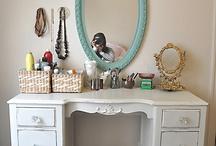 DIY Furniture / by Alyssa E.