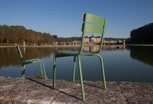 Mobilier Edmond & Fils, made in France / Un instant de détente typiquement français.