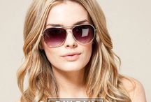 Goggles / Enjoy the sun in comfort and style for the many shades.