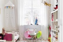 Kid Friendly Decor / A kids bedroom should be attractive, fun and comfortable for kids to spend time in.