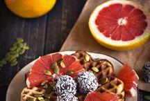 Vegetarian and Vegan Breakfast / by Christianna Mendoza